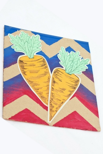 DIY Easy Easter Carrot Decor. Fun creative art you can make yourself. Looks great and you would never think it was so cheap to make.