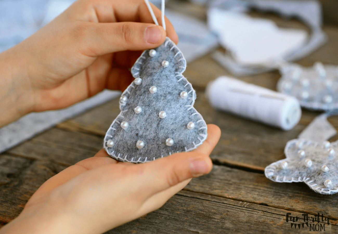 Easy felt DIY Christmas ornaments